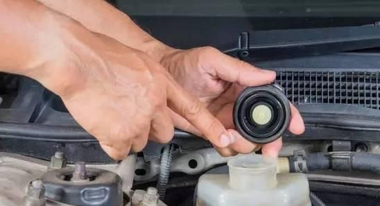 刹车油可以用什么油代替,刹车油介绍