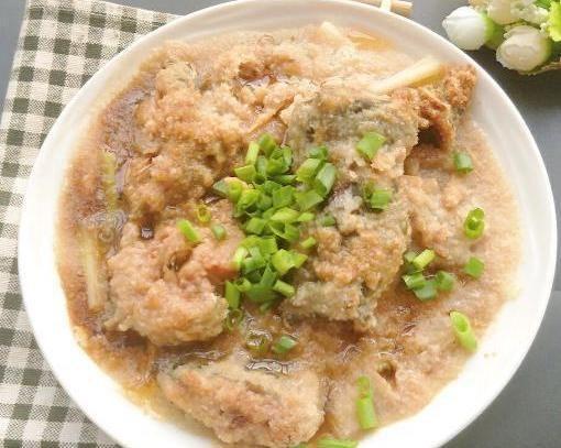 家常美食:虾仁南瓜蒸,粉丝蒸丝瓜,剁椒蒸鲶鱼,鲜甜适口