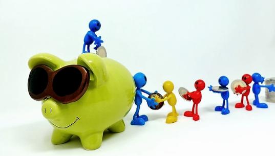 《【杏耀平台登录地址】刚入门的新手,应该如何分配股票和基金的投资比例?》