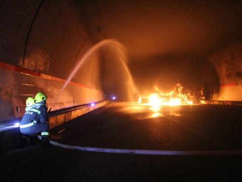 又有爆炸!东营油罐车爆炸致7伤,我们该如何预防?