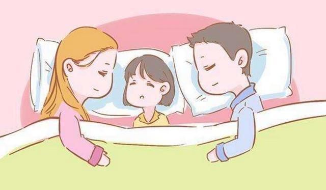 """孩子喜欢摸着妈妈入睡?这是在表达""""另类饥饿"""",最好满足他"""