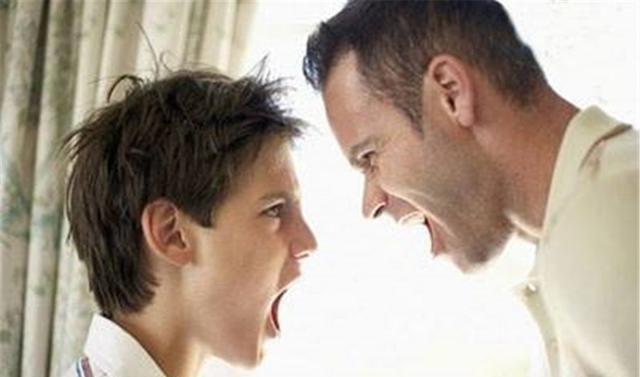 育儿专家:当孩子学会顶嘴时,父母要说这三种话,孩子将受益终生