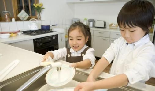 """""""妈妈,我为什么要做家务?""""这个回答,是我听过最棒的回答"""