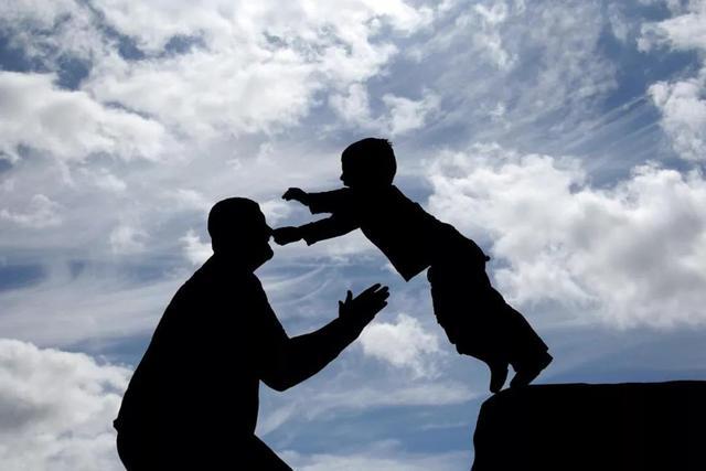 """""""隔代育儿""""容易出现5个问题,家长要警惕,可以尝试这3个办法"""