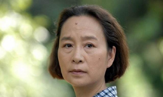 """为何女星都不愿意演妈妈,看看饰演""""雪姨""""的演员王琳,就明白了"""