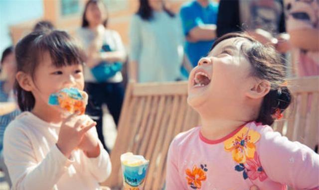 """""""妈妈,我想吃冰淇淋"""",你的答案,关系着孩子一生的幸福"""