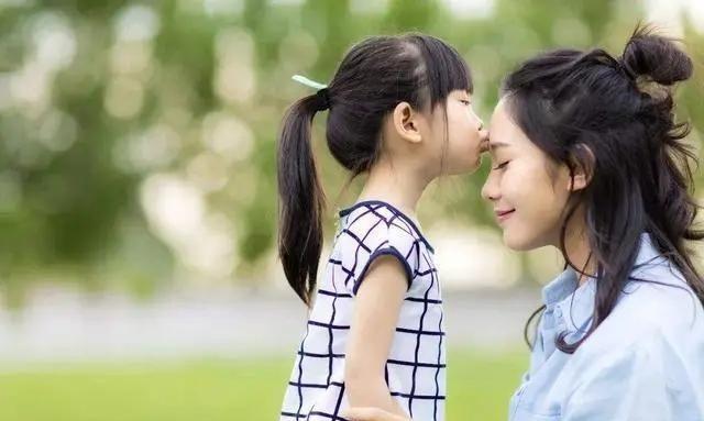 """孩子叫""""妈妈""""和""""妈""""有什么区别?这3个心理变化,父母要留心"""