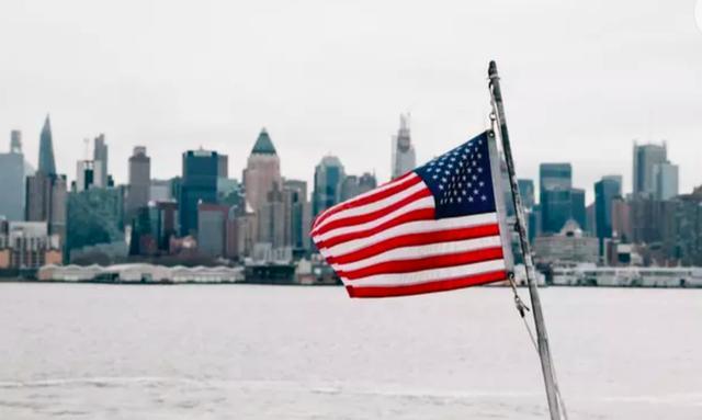 《【无极2注册登录】美国经济强劲复苏?不会有奇迹!美国经济的困难将继续》
