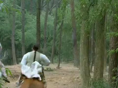 新还珠格格:班杰明看着永琪和小燕子策马奔腾,心里面不是滋味