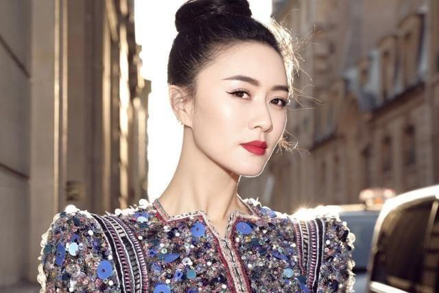她是陆毅前女友,和蒋雯丽是好姐妹,如今是单亲妈妈还是隐形富豪