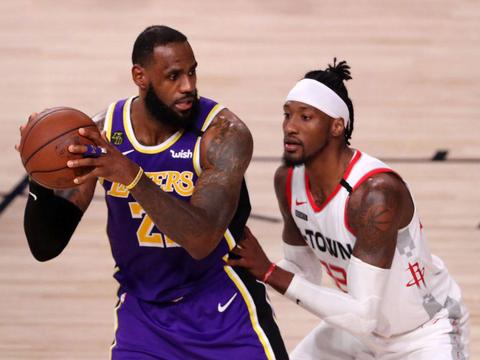 NBA常规赛继续进行,在今天结束的一场西部焦点之战中,最终排名西部第四的火箭队