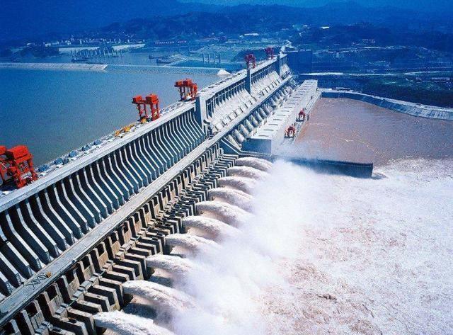 中国决定在三峡修建大坝的弊端太大不同意签字
