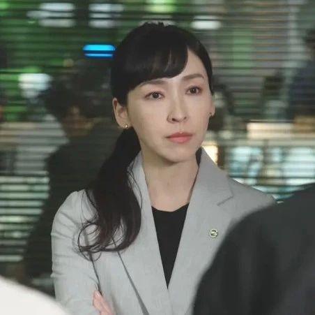 麻生久美子《MIU404》女队长一角背后:演员出道25周年的从容