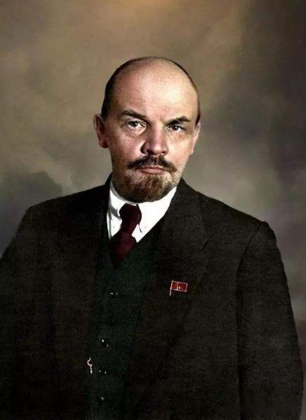 列宁起义部队11月攻陷冬宫,为何称为十月革命,很多人对此困惑