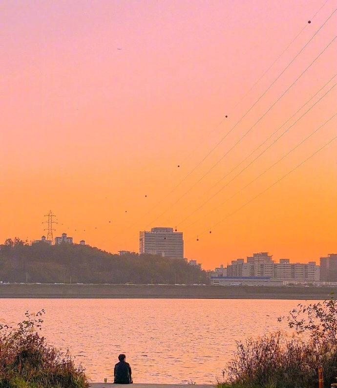 韩国摄影师동원镜头下的温柔粉橙色晚霞