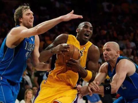 时任NBA联盟主席的大卫·斯特恩亲自拍板,否决了湖人与克里斯·保罗的交易