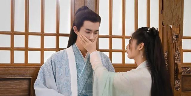 《明月曾照江东寒》首播,续刘昊然之后,于朦胧也被男人喊大宝贝