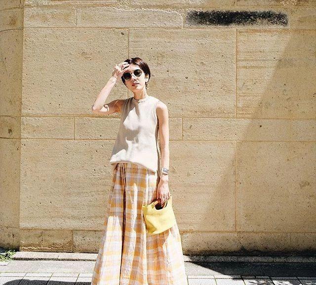 看了这位日本妈妈的日常穿搭,简单的衣服,也能够搭配出高级感!