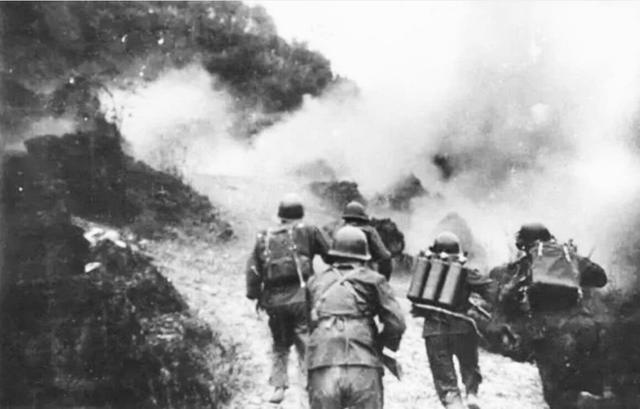 对越反击战后,越军为何彻底老实了?只因解放军拿了他们一件宝贝