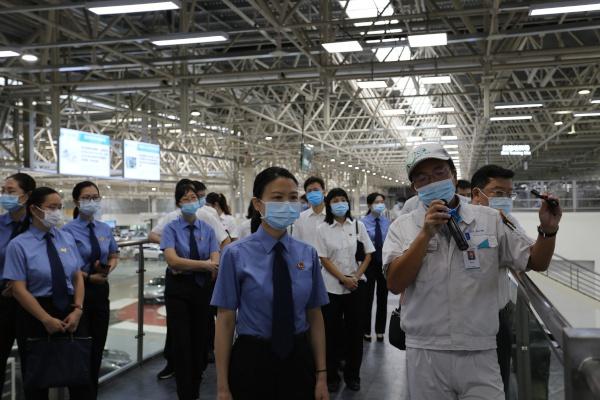 广东广州:普法进企业
