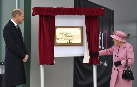 英国女王出席公开活动。(图源:美联社)