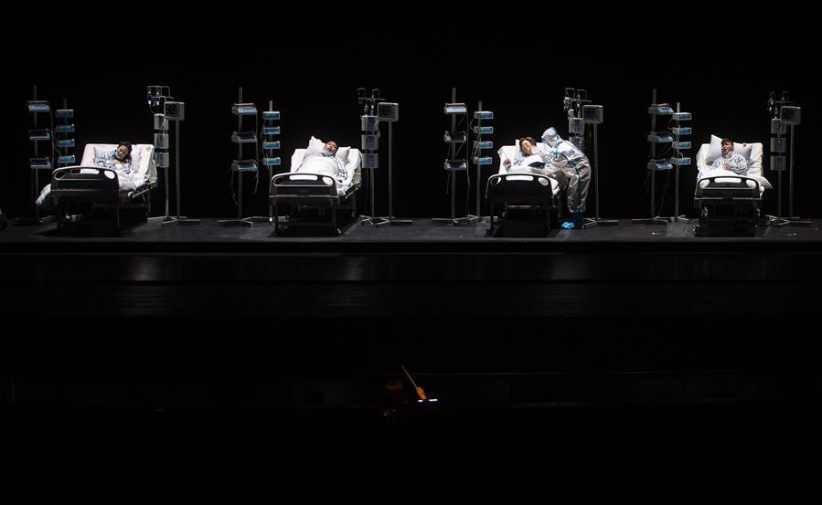 抗疫题材民族歌剧《天使日记》在武汉首演