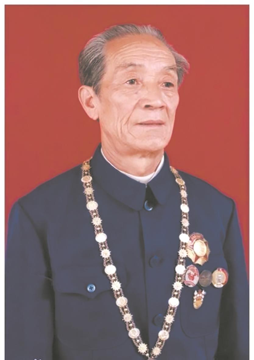 """90岁老兵李天恩找回活着的""""烈士"""" 一级英雄柴云振乡间埋名33年"""