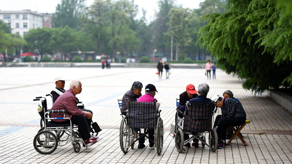 新京报:数字化社会应对老年人更加友好