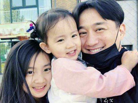 黄磊揭秘一流父母育儿经:罗森塔尔效应说明,好孩子是暗示出来的