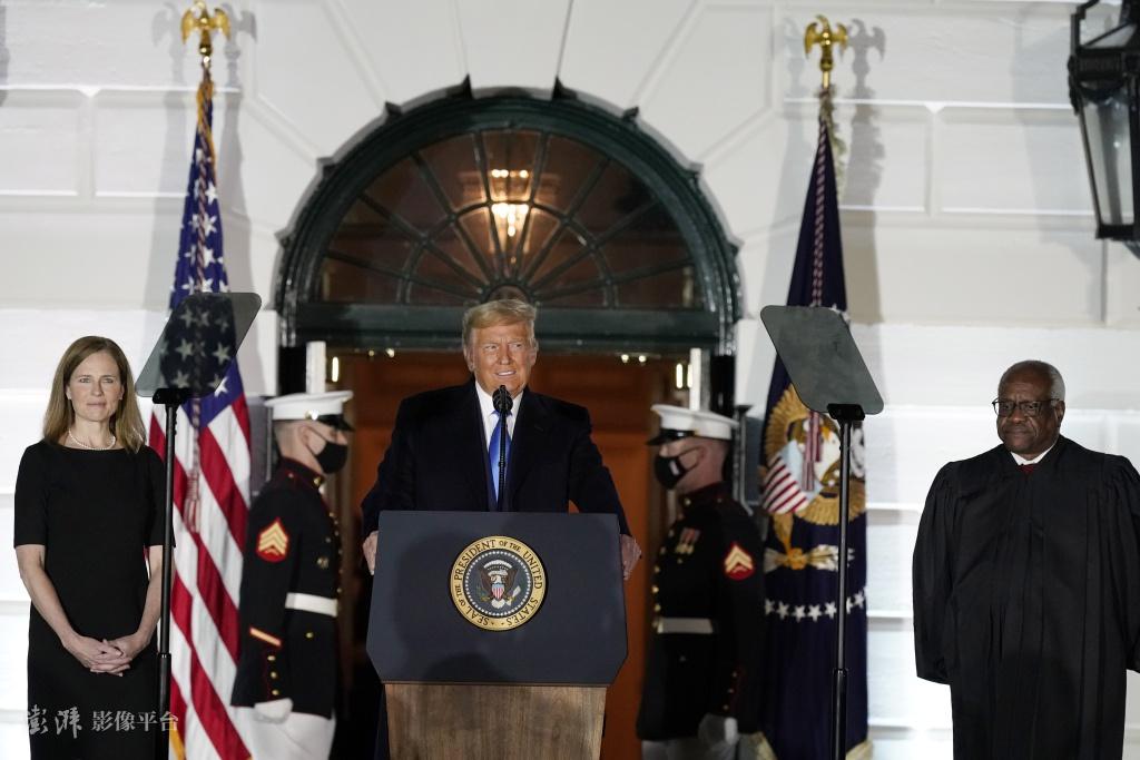 特朗普在白宫为巴雷特举走宣誓就职仪式 图自澎湃影像平台