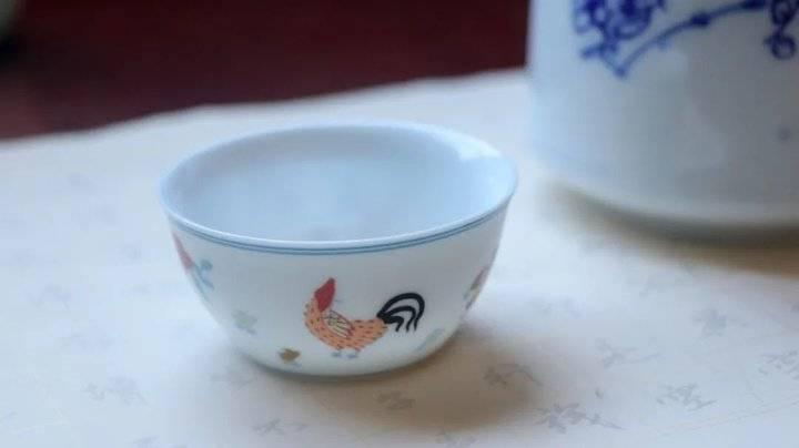 """""""鸡缸杯""""究竟有何魅力,康雍乾三代都为它着了迷?"""
