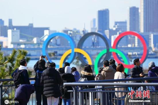 日本东京,台场海滨公园展现奥运五环。
