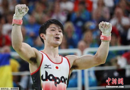 日本名将内村航平确诊新冠肺热。(原料图:里约奥运会,内村航平蝉联奥运金牌。)