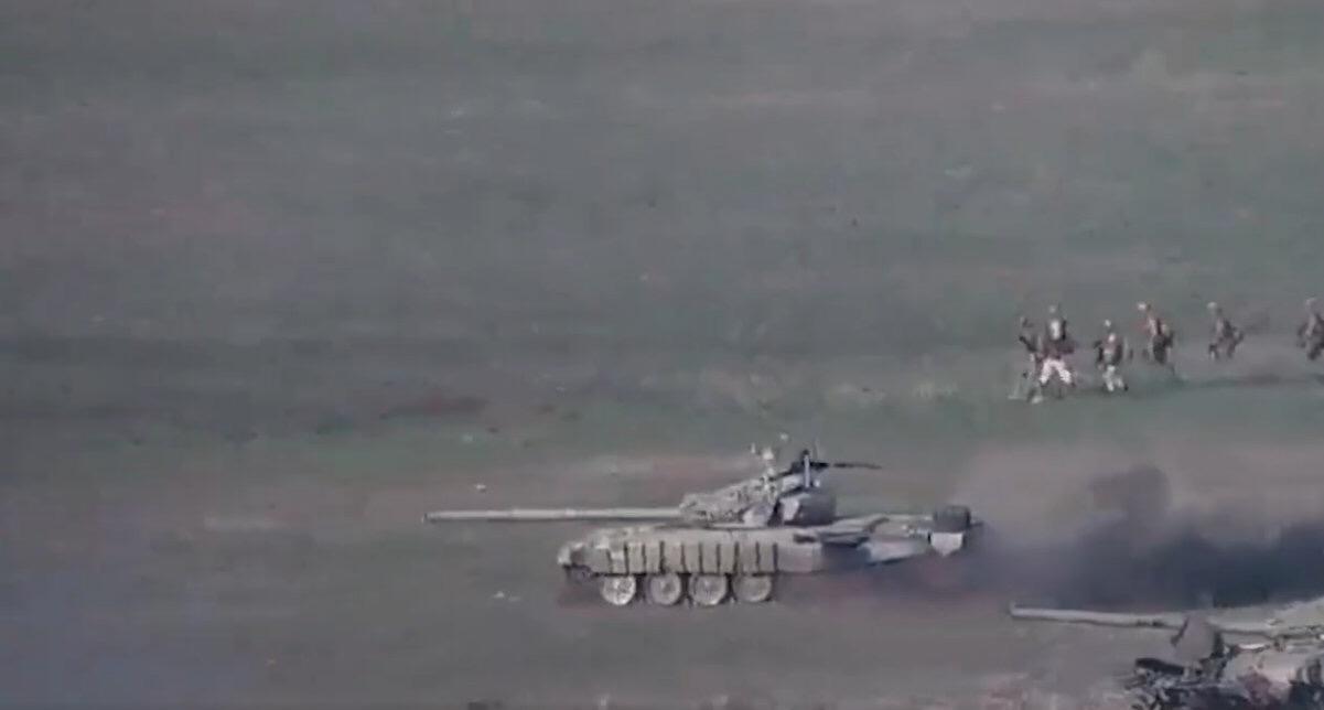 这栽去常只有在俄军操练中所见的正途步坦协同,现在也在战场上依样葫芦