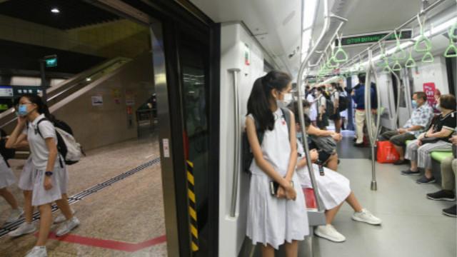 """新加坡拟发放特别补贴  鼓励在疫情期间""""生娃""""刺激长期经济"""
