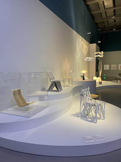 西岸美术馆与蓬皮杜中心合作特展:中法设计师的33把椅子有几把能坐?