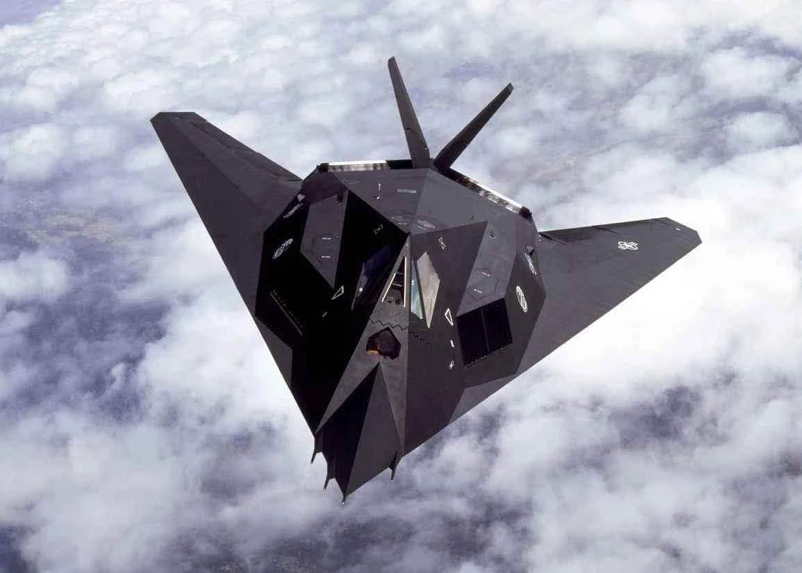 美国空军六代机首飞,或配备定向能激光武器,俄:领先全球