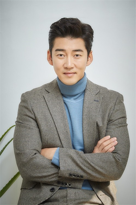 尹启相有望出演《你是我的春天》 接受提案讨论中