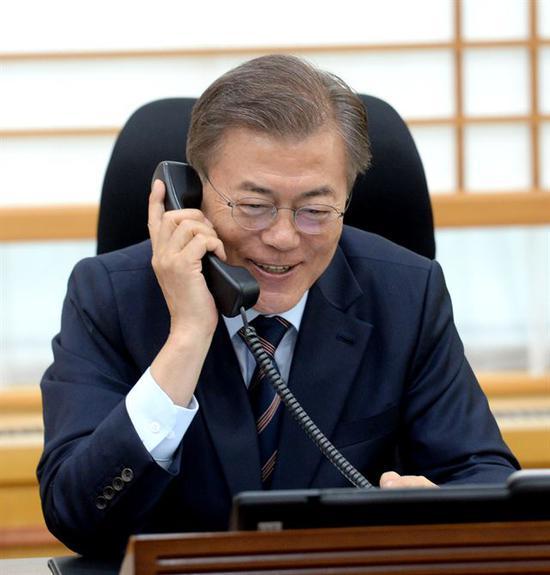 文在寅打电话给拜登,力图说相符韩美有关。图片来源:韩联社(原料图)