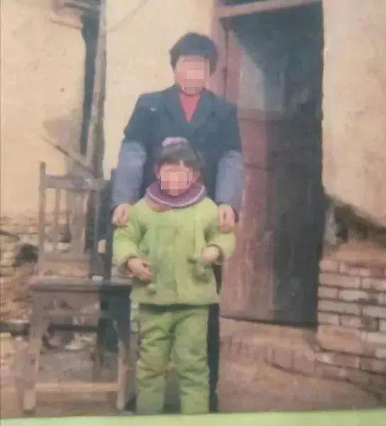 方某洋童年照片