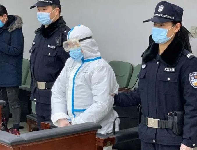 强行喂饭、揪耳朵、打耳光:保姆虐待85岁北京老人获刑2年