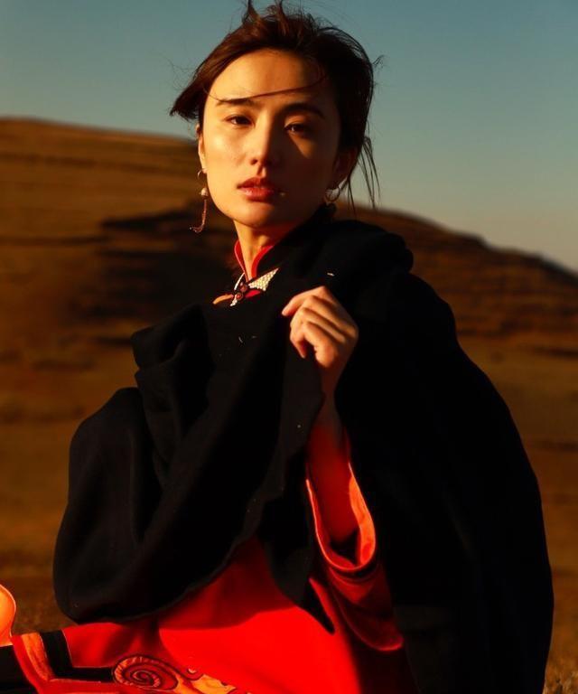 李亚鹏新恋情被曝光 女友是彝族美女演员海哈金喜