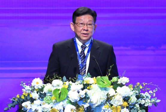陈德铭在第十五届清华大学公共管理高层论坛上说话 图自清华大学音信网