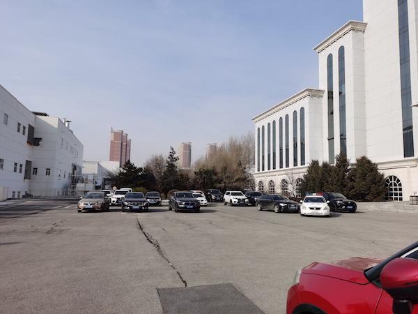 实地调查华晨汽车破产重整:一小时内多家债权人上门