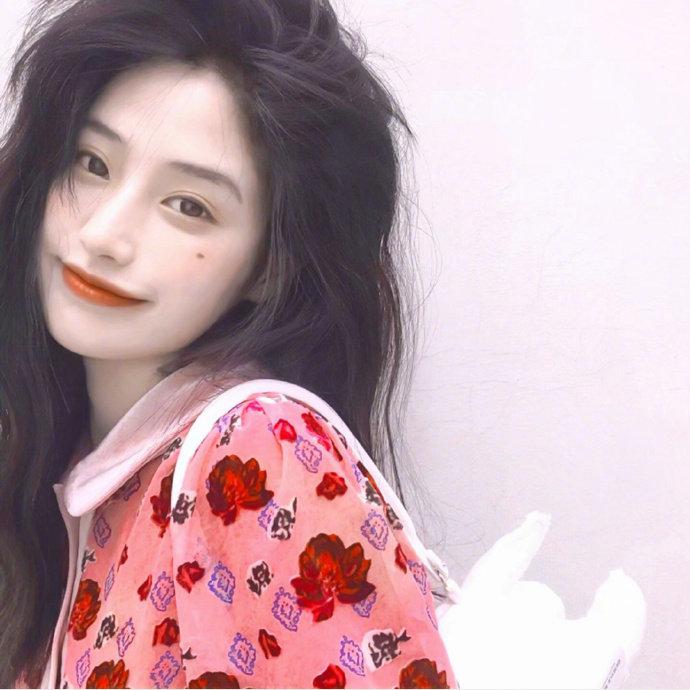 没有刘海的段小薇变漂亮了 换发型比整容还厉害