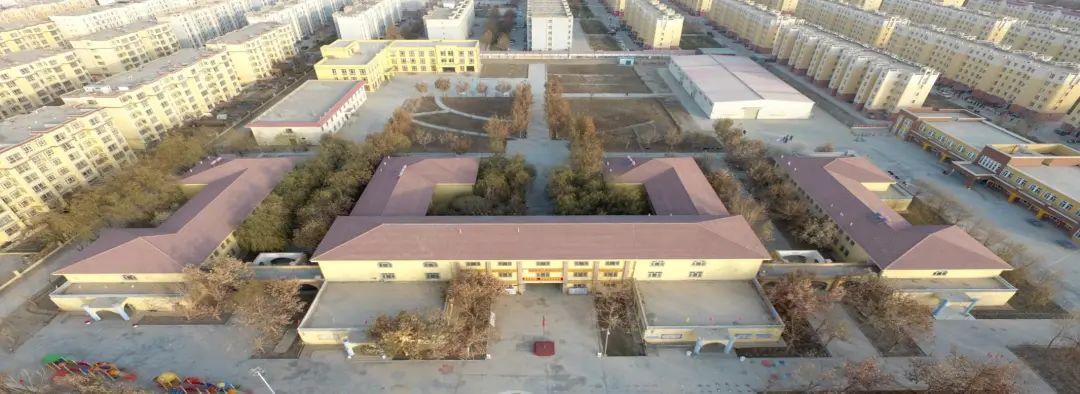 """图:澳大利亚战略政策研究所""""报告""""中所称的""""拘留中心""""(坐标:38.8367N,77.7056E),实际上是新疆喀什地区麦盖提县敬老院。"""