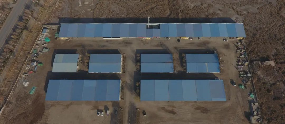 """图:澳大利亚战略政策研究所""""报告""""中所称的""""拘留中心""""(坐标:39.8252N,78.5501E),实际上是新疆喀什地区巴楚县物流园"""