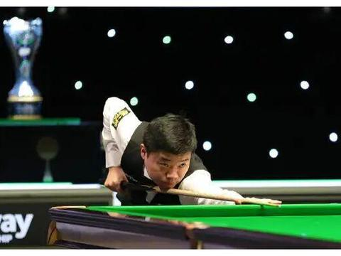 丁俊晖颜丙涛5-6出局,肖国栋逆转布雷切尔