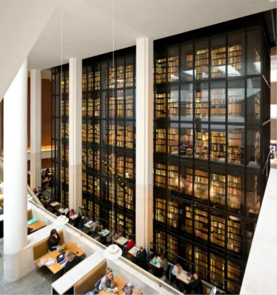 大英图书馆:一天看5件藏品,需要8万年看完