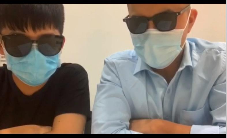 8月31日,郎某与何某拍摄向吴女士道歉的视频。受访者提供